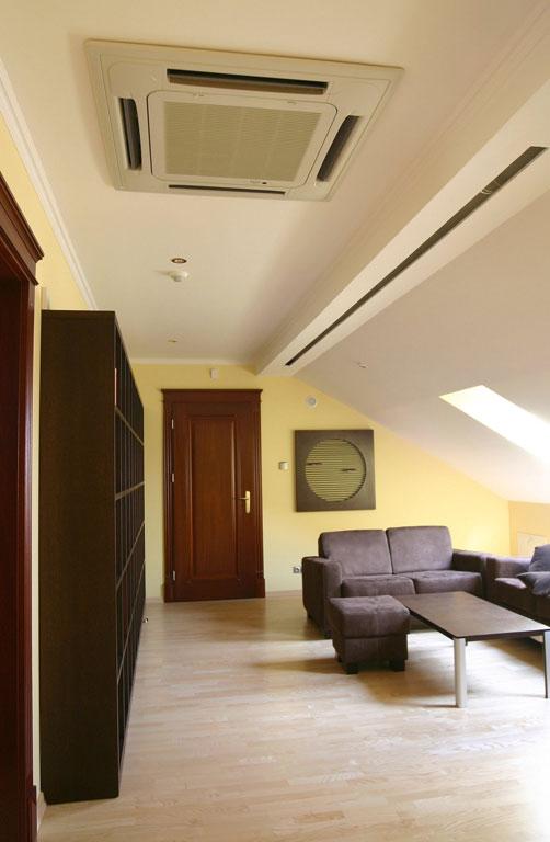 Klimatyzator kasetonowy M5CK050R/M5LC050CR z pompą ciepła